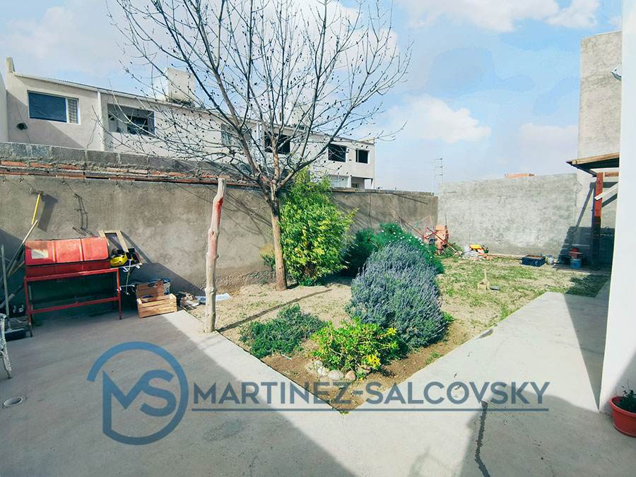 jardin-casa-en-venta