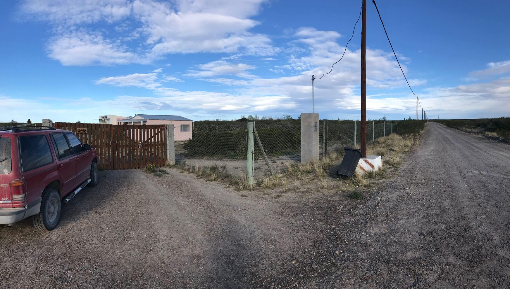 Se vende casa con pileta y dependencia – Parque Ecológico el Doradillo